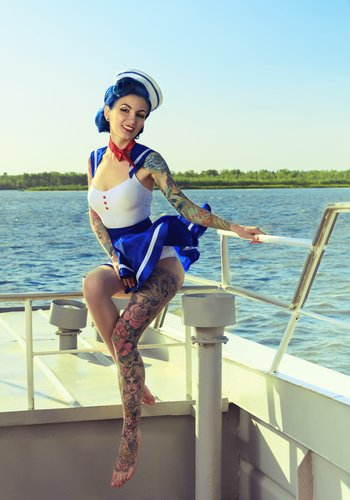Tatoo woman on a boat