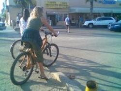 Thumbnail image for Is It Legal To Ride Bikes on Los Angeles Sidewalks?